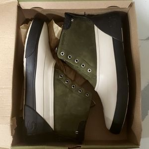 Brand New Sperry Cutwater Deck Boots